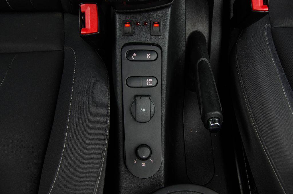 Seat Altea XL - Zapojenie vysielačky Icom IC-E208_010
