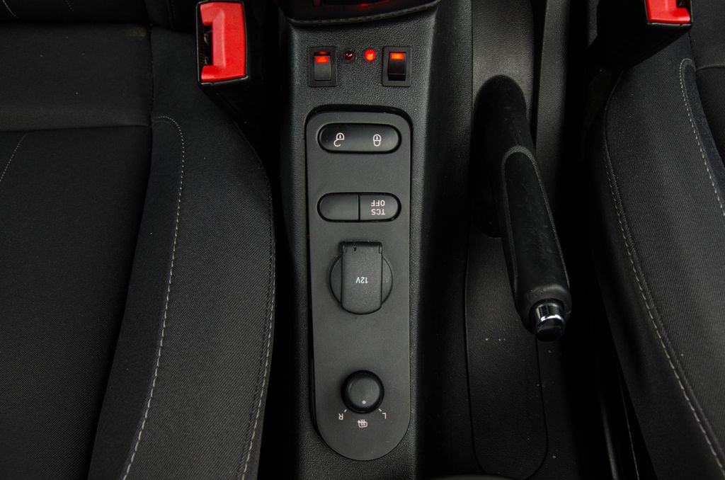 Seat Altea XL - Zapojenie vysielačky Icom IC-E208_011